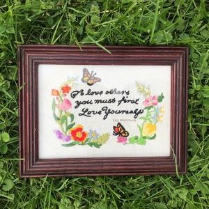 🌷Vintage Crewel Floral Quote in Wooden Frame🌷